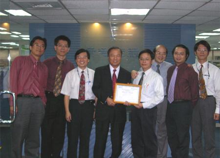 資通電腦企業服務事業部、商業流程事業部