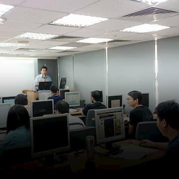 資通電腦以員工教育訓練培育人力資產,致力永續經營